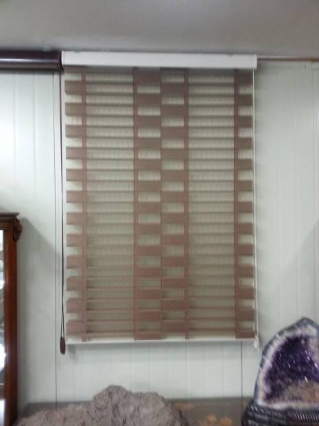 Sell New triple shade blind ( VULCAN )