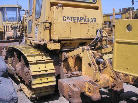 CAT D6D bulldozer