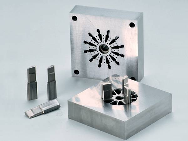 TOP precision mould making in China&provide customers with molded parts service