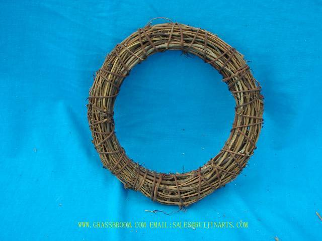WITCH WHISK,CORN BROOM,WOOD BASKET,AWN BASKET,RATTAN WREATH,CHRISTMAS WREATH,EASTER WREATH