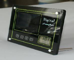 Digital photo frame DPF-035T