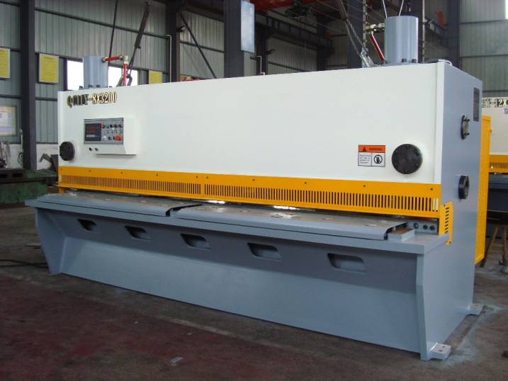 CNC Hydraulic guillotine shearing machine QC11K-16x2500