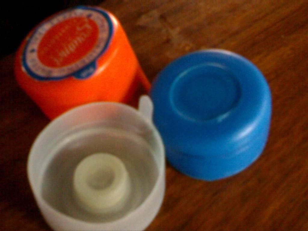 Plastic caps for 5 gallon water bottles