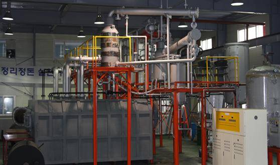 Recycling Machine of waste plastics into oil.