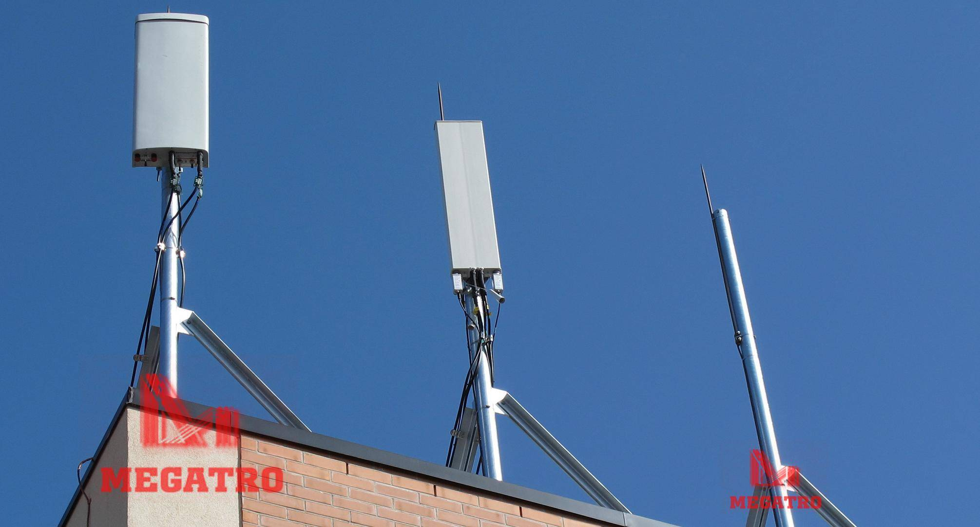 Mounting pole for telecom antenna