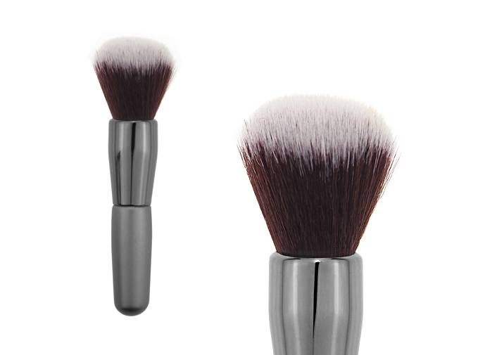 Grey Nylon Hair Contour Blush Brush With Oval Metal Ferrule Short Wooden Handle