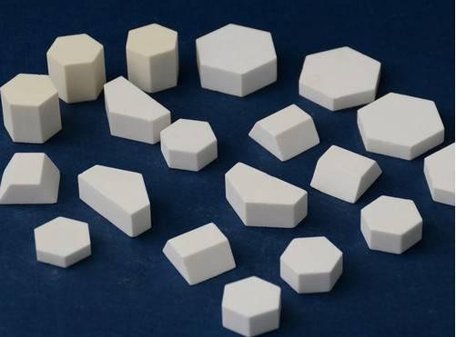 anti-abrasi alumina ubin keramik suhu resistansi tinggi