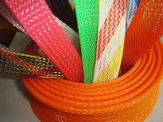 Plastic flexible sleeve