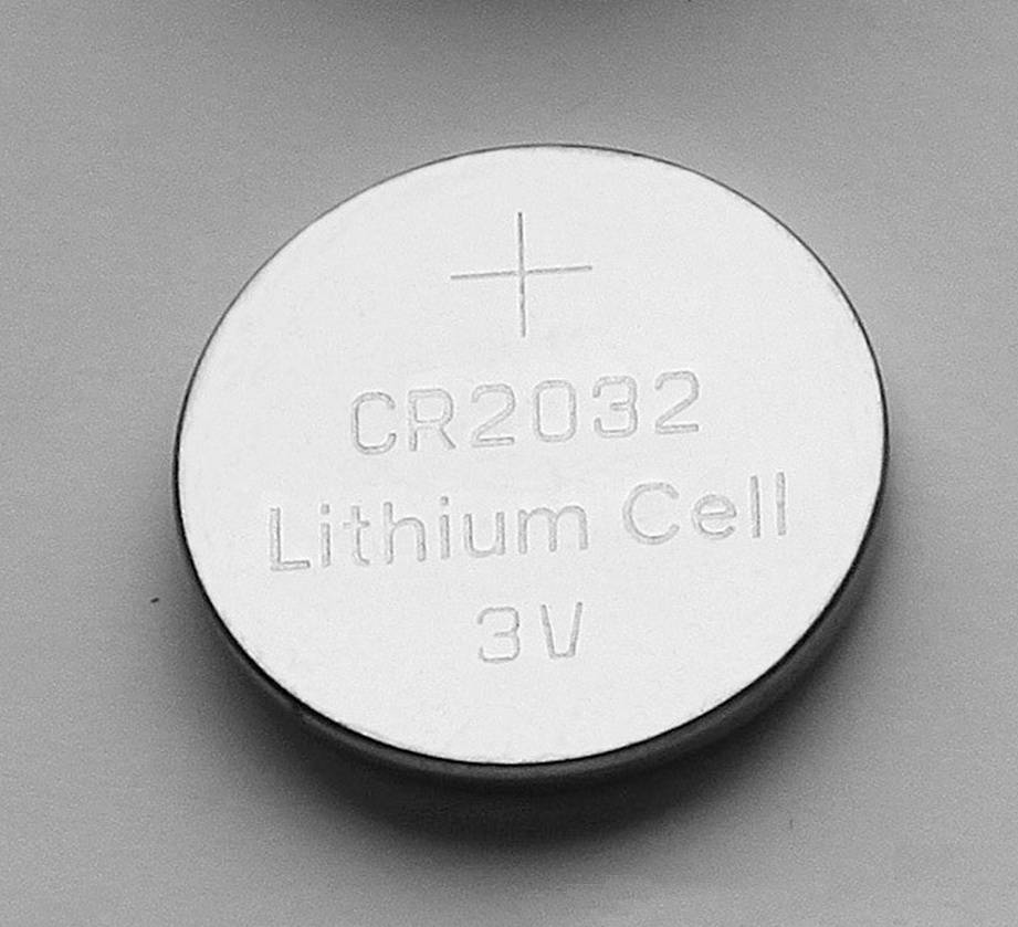 Button Cell lithium battery CR2032 in high capacity LLMNO2 coin cell hearing aid battery