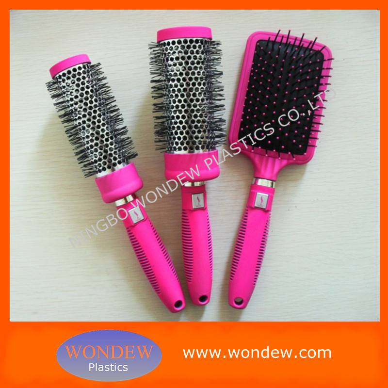 Plastic hair brush