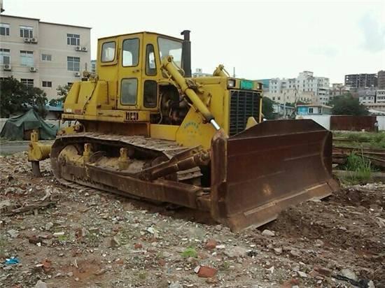 Used Komatsu D85-21 bulldozer