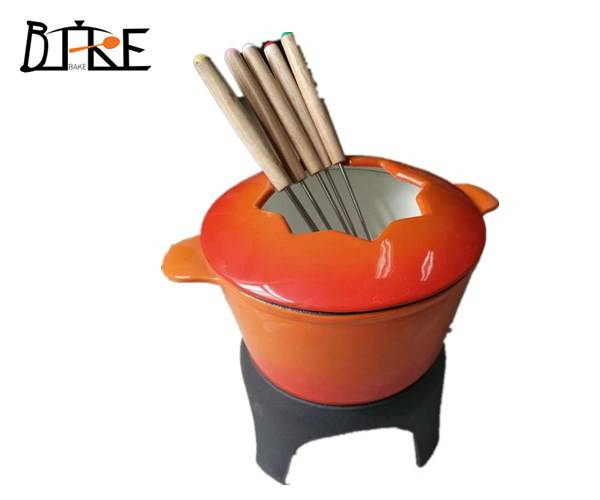 cast iron enameled fondue set