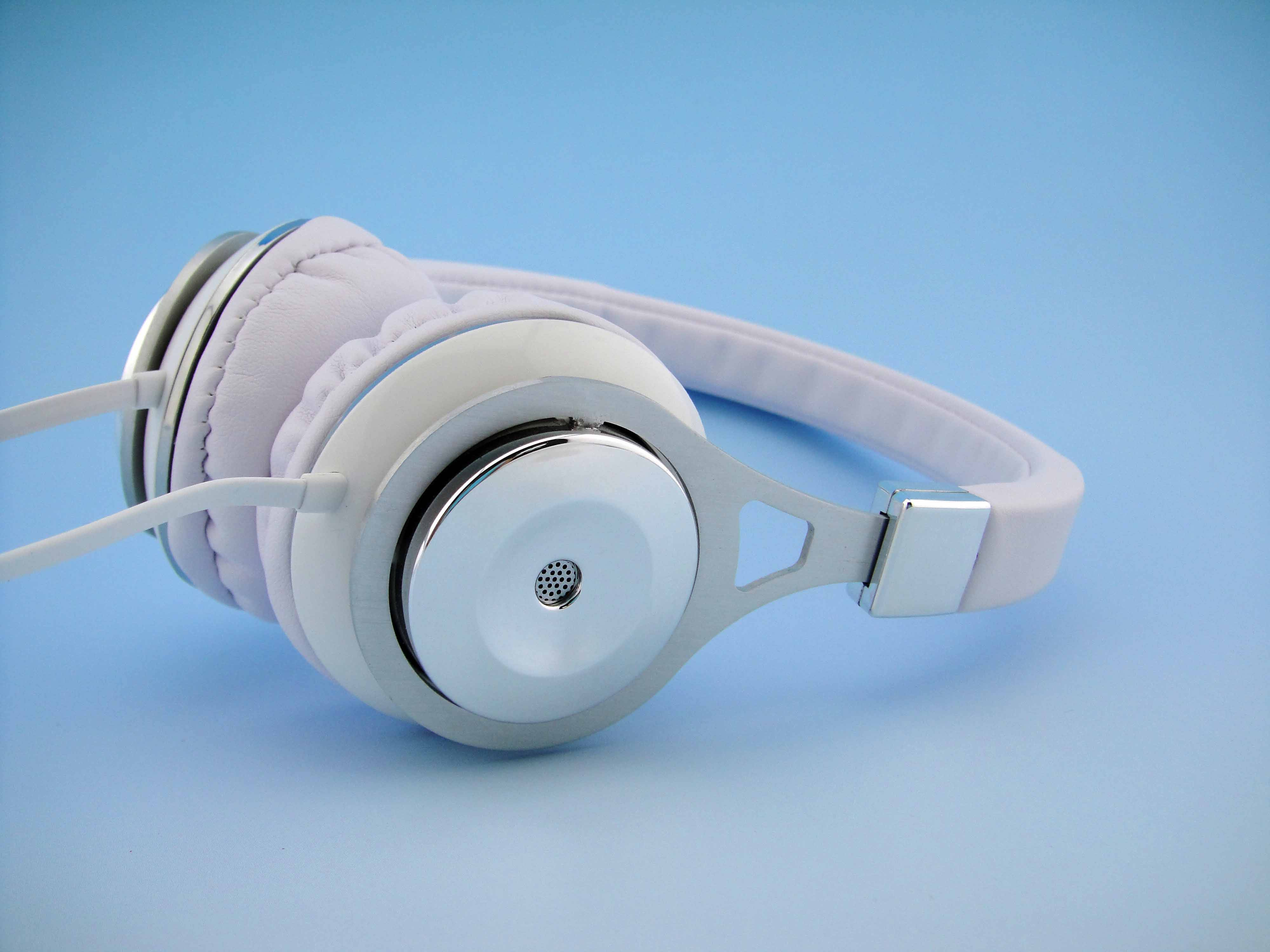 headphone manufacturer