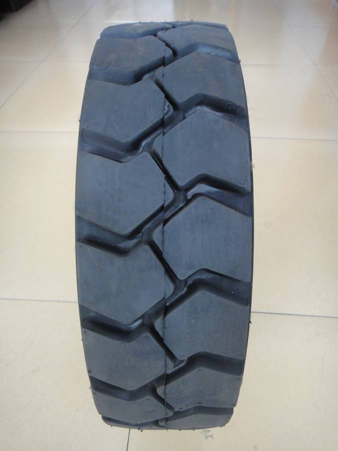 sell forklift tyre 500-8 600-9 400-8 700-9