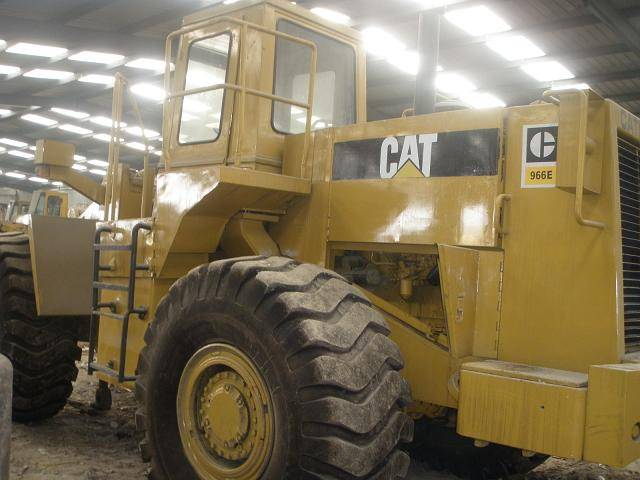 CAT 966E loader