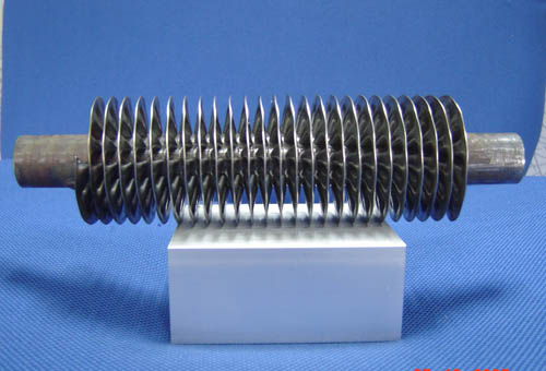Aluminum bimetal extruded tubes finned coils