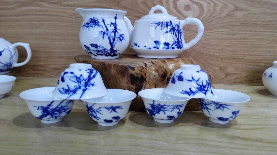 Wholesale high quality hand painted blue and white Chinese Kungfu ceramic tea set