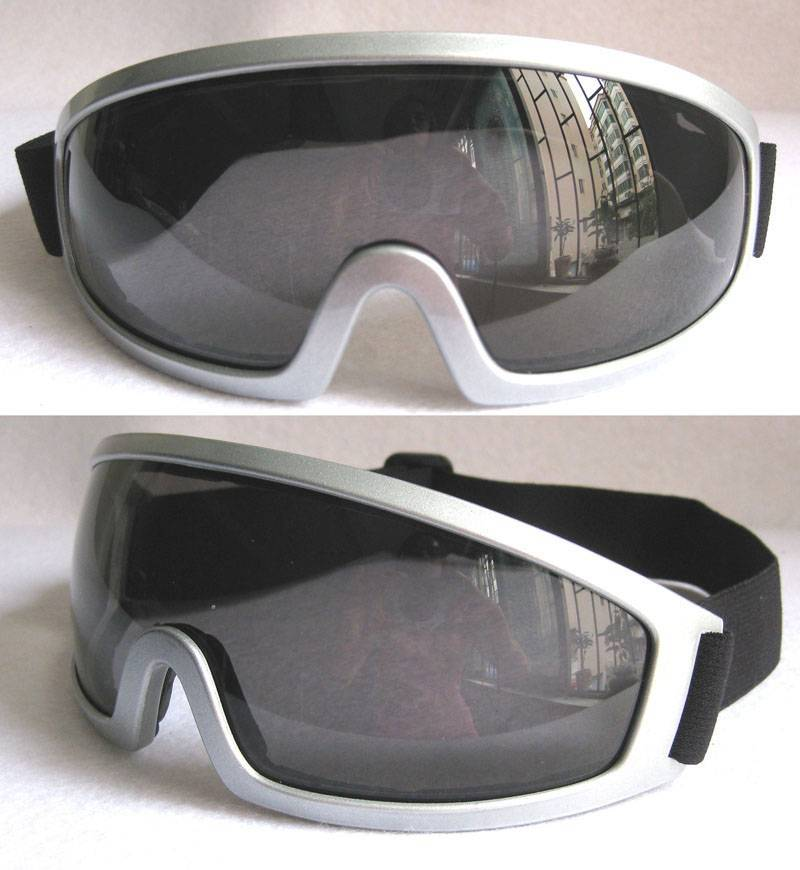 Motorcycle goggles with UV Protection