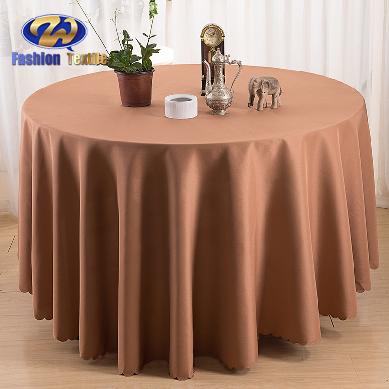 Purple round cloth table covers for dining