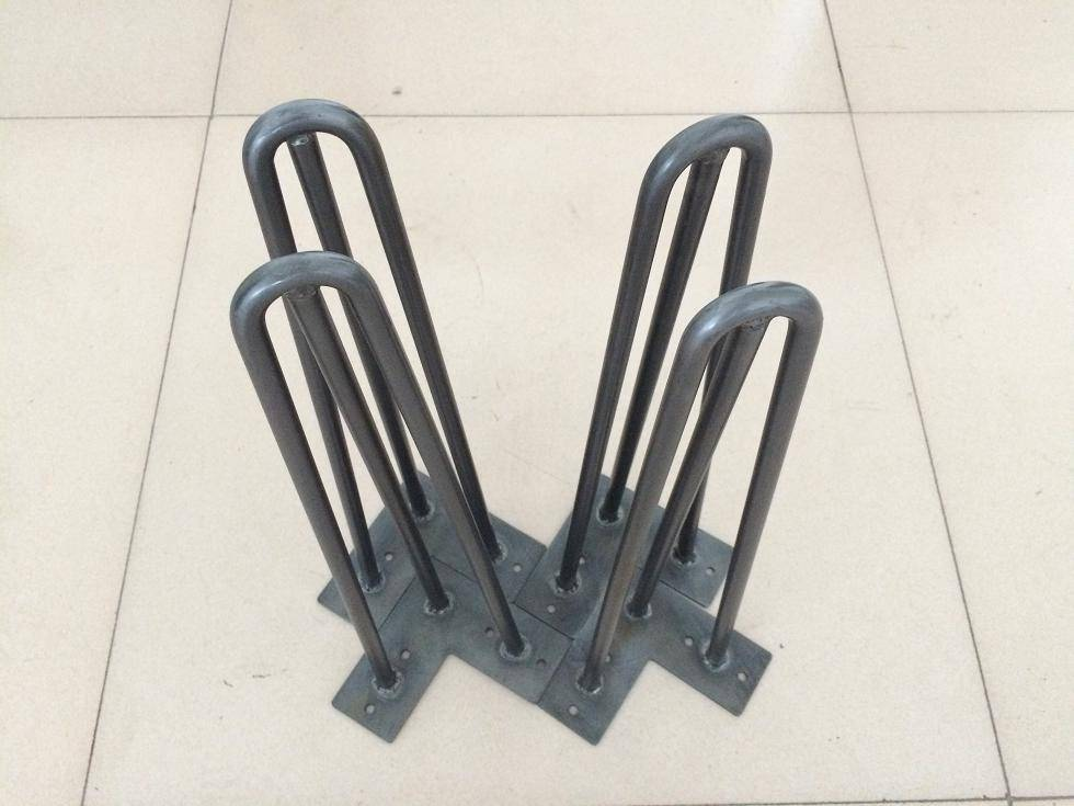 hairpin legs, bare surface, hairpinlegs, different heights,