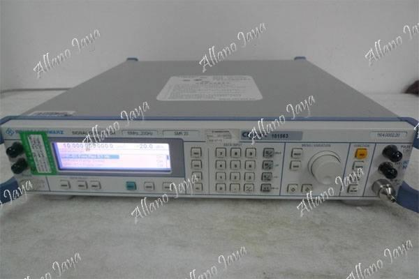 Used Rohde & Schwarz SMR20 Signal Generator