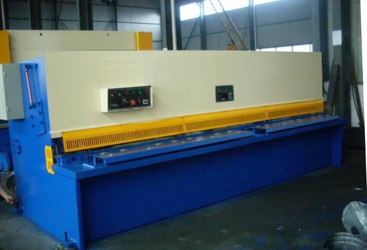 QC12Y-8x2500 Hydraulic Plate Shearing Machine