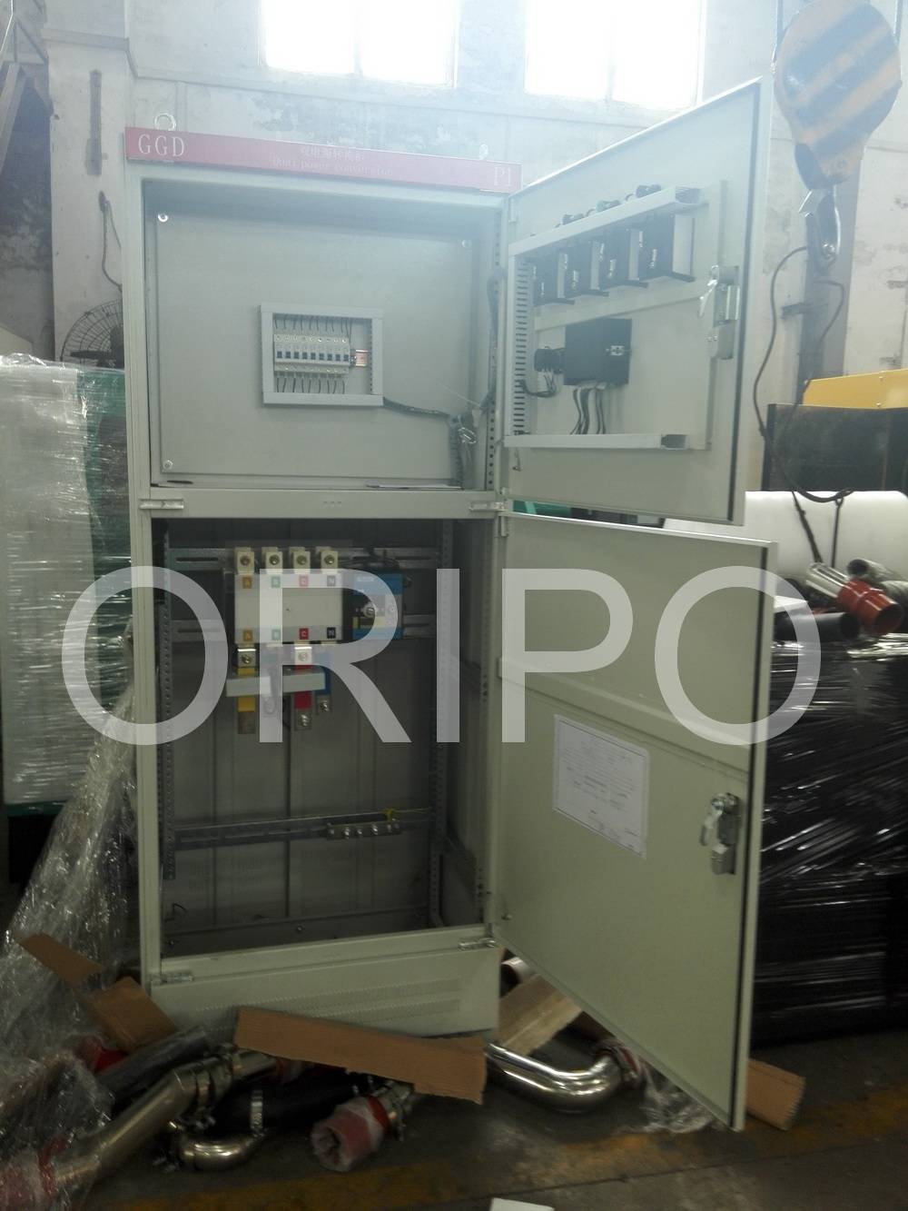 ATS cabinet and parallel connection system
