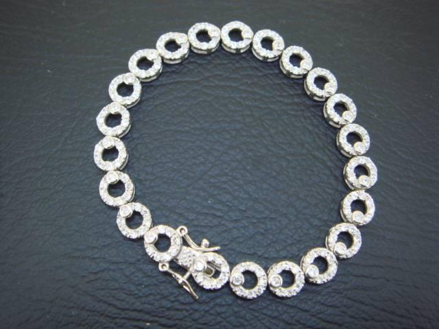 925 sterling silver bracelet inlayed with cz gems 04079