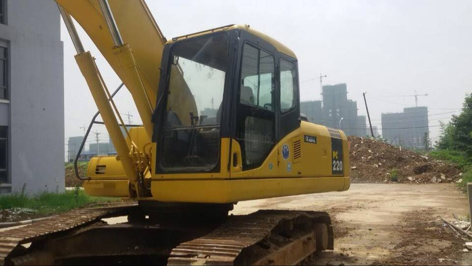 used komatsu pc220-7 excavator for sale