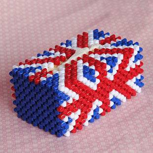 Hand made acrylic bead tissue box