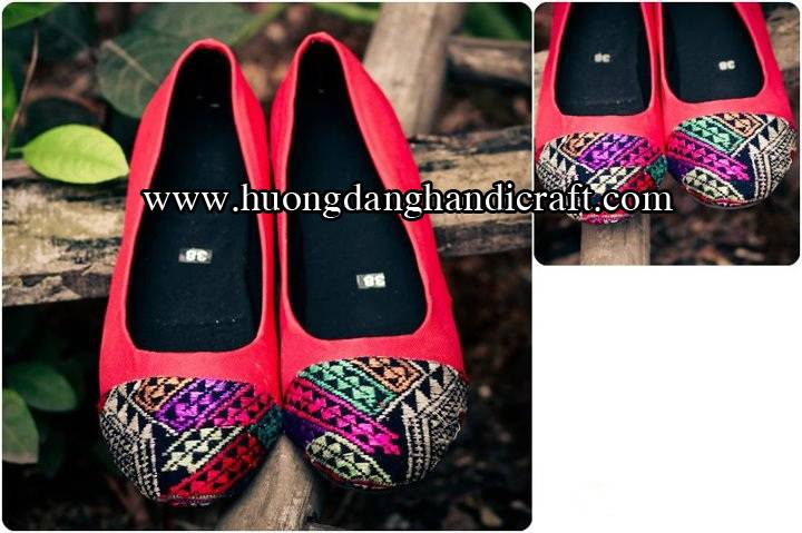 Fashion brocade shoes