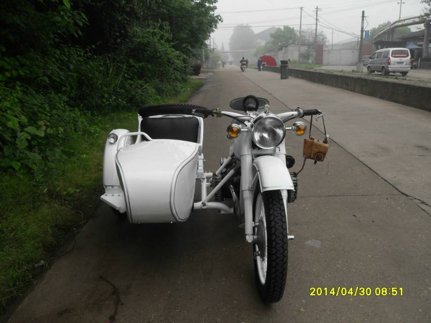 High Configure White Color 750cc Motorcycle Sidecar
