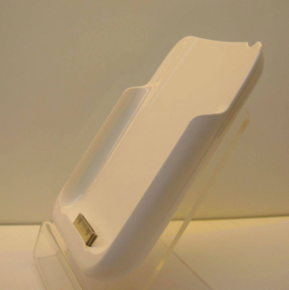 portable external rechargeable power pack for iPhone 3G/3GS