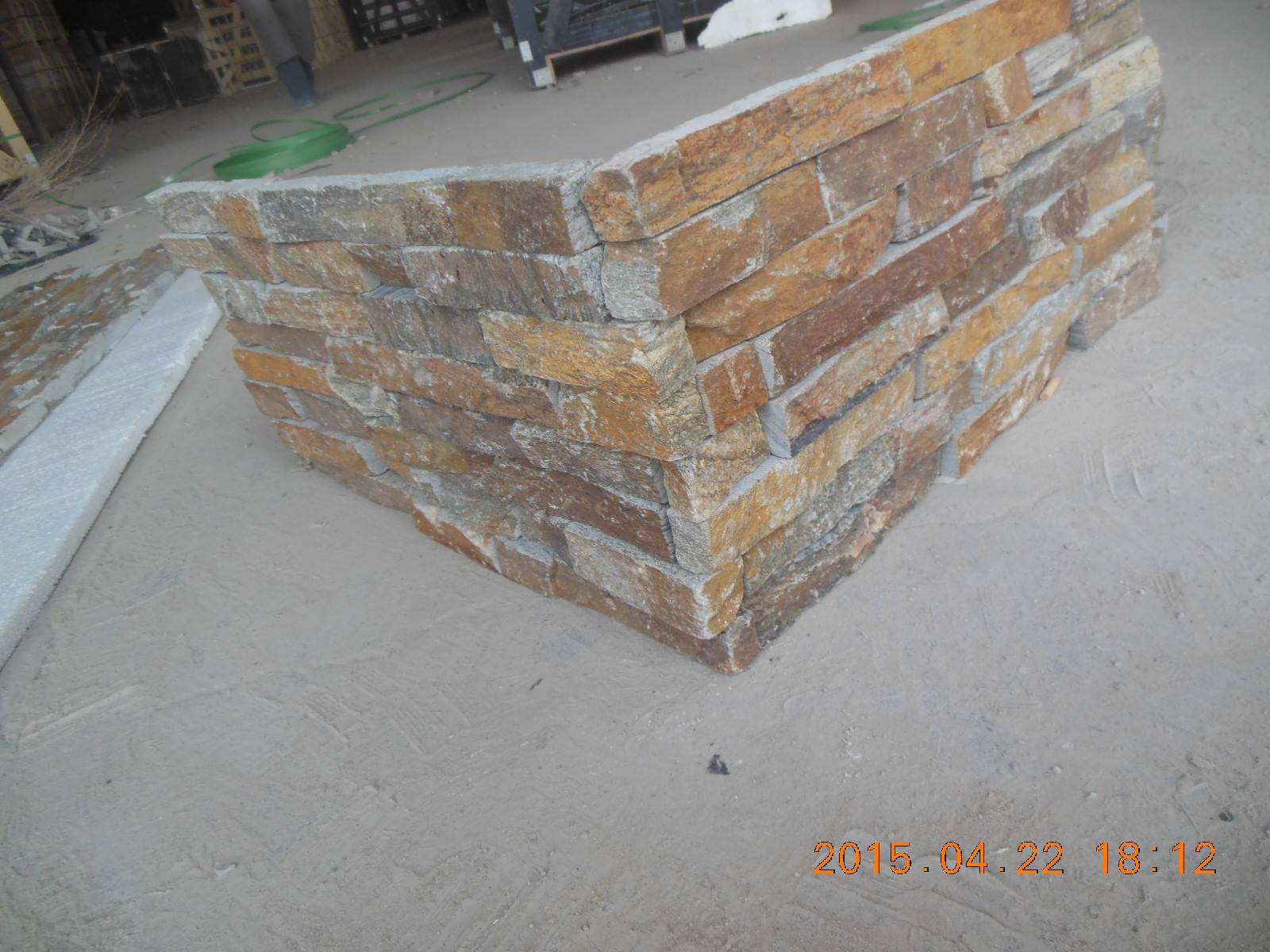 Rusty Slate Stacked Stone