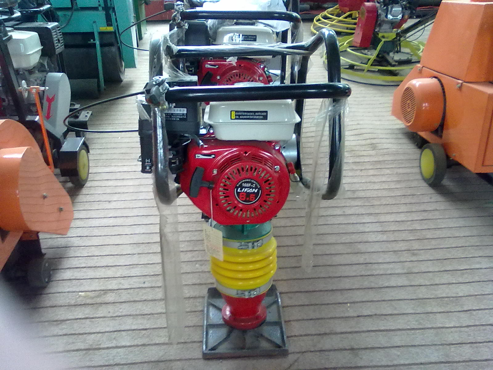 5.5hp Gasoline Tamping Rammer Compactor Machine with hot selling