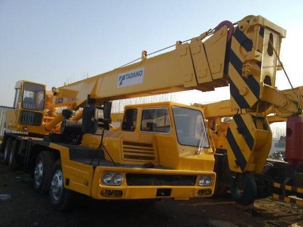 Sell Japan made TADANO TL300E mobile truck 30ton crane used tadano crane