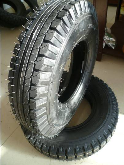 400-8 TRICYCLE TIRE 8 PR 3.5 KGS 50% rubber contain
