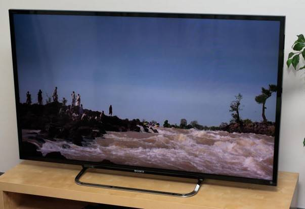 Sony 70-Inch LED KDL70R520A 240Hz Internet HDTV