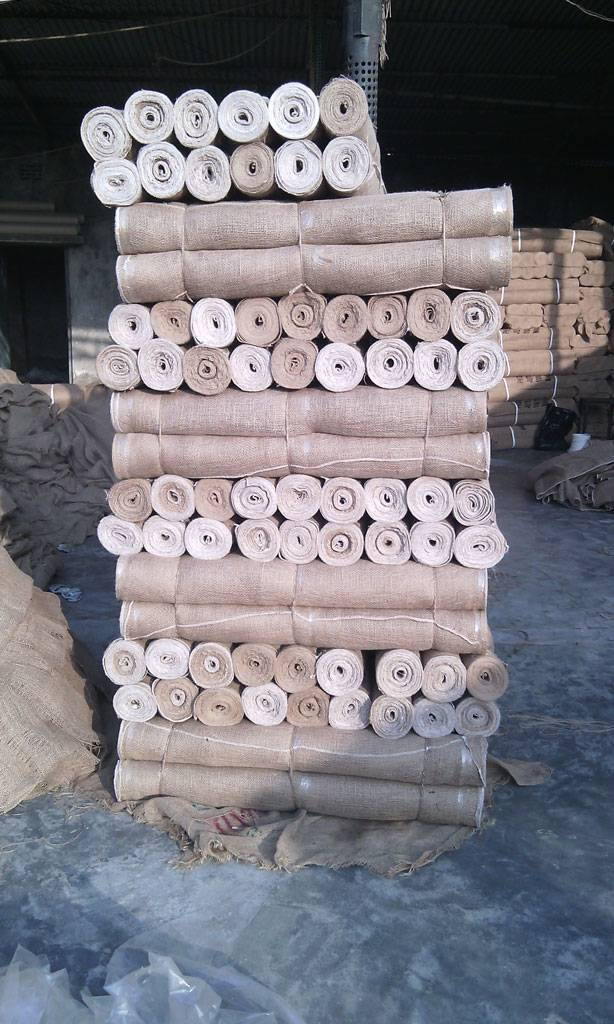 Supplying of Jute Tape, Burlap Roll, Raw Jute, & others Jute Goods Products from Bangladesh.