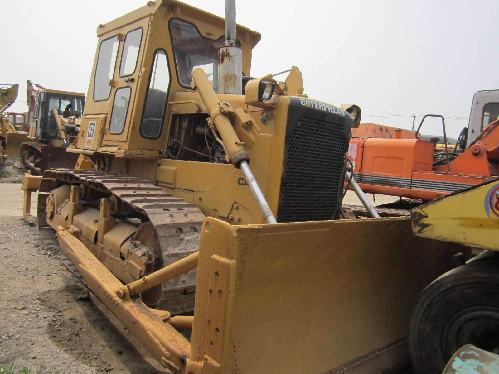 Used Track dozer : Caterpillar D6D
