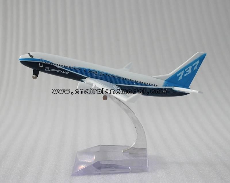 model airplane Boeing737-800