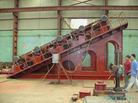 SELL STRONG FORCE VIBRATING SCREEN WITH GOOD QAULITY AND LOW PRICE