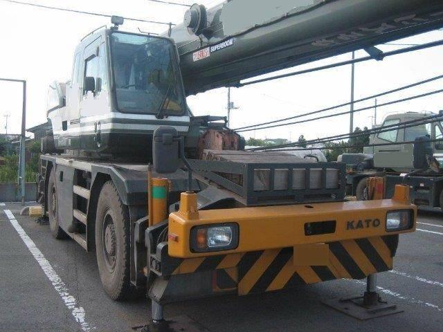 Excavators Cranes Loaders Dozers Generators Forklift Komatsu Kato Tadano Caterpillar Kobelco Hitachi