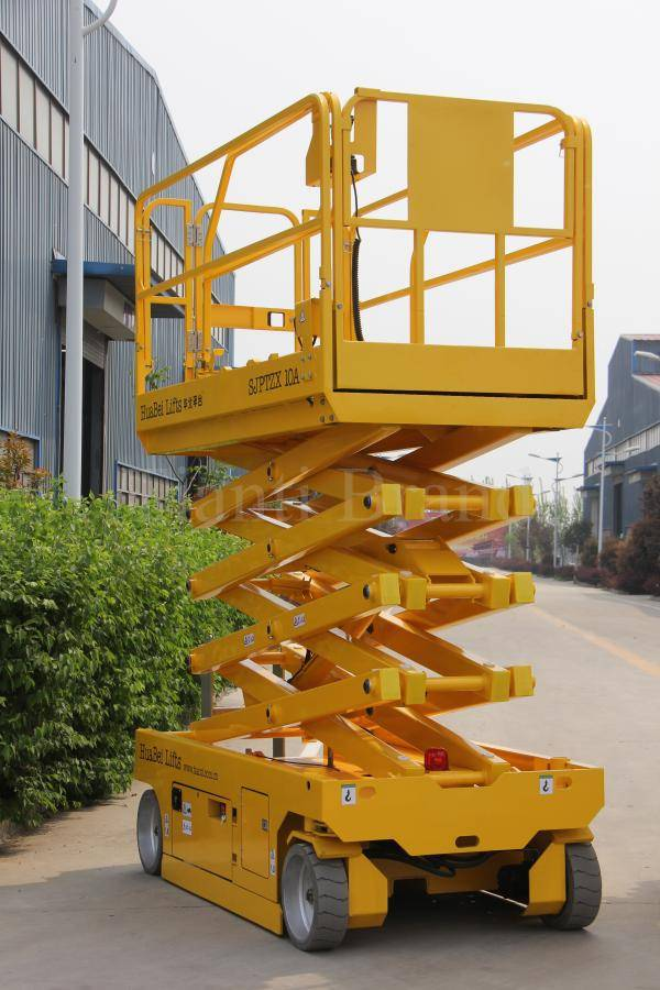 self propelled scissor lift platform
