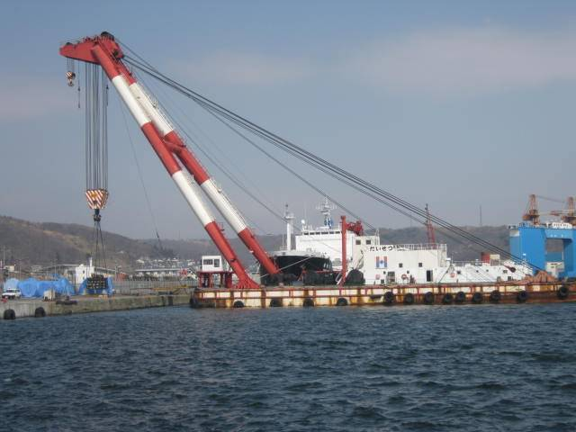 sell 530t sheer leg lifting crane barge