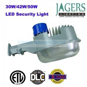 Dusk to Dawn 30W LED Security Light, 120-277VAC, Compare to 100W MH, 5 Years Warranty