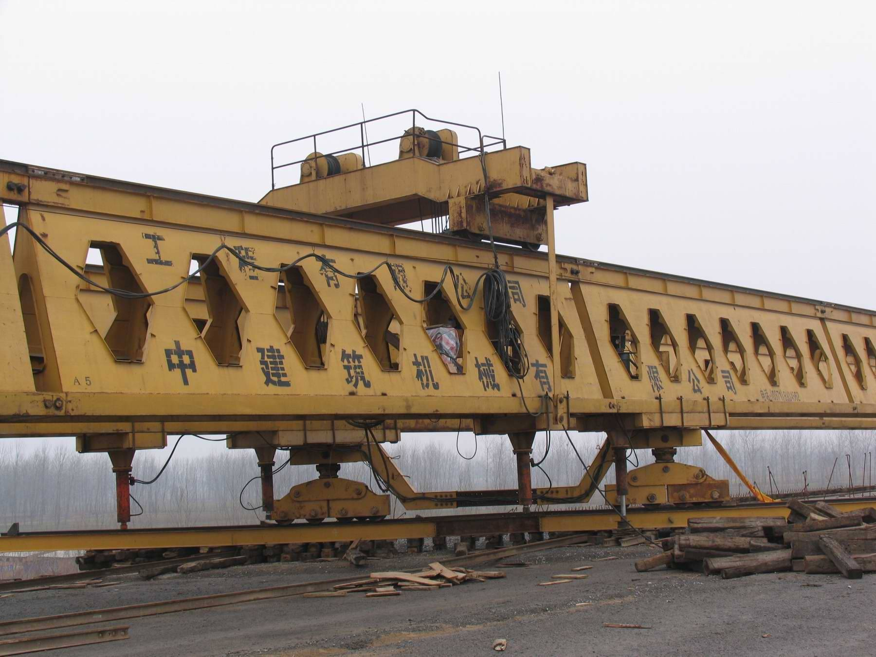 HZQ50-150 highway bridge girder launching gantry