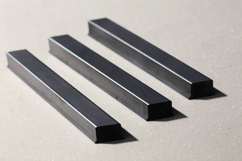 graphite strips and graphite trays in textile machinary
