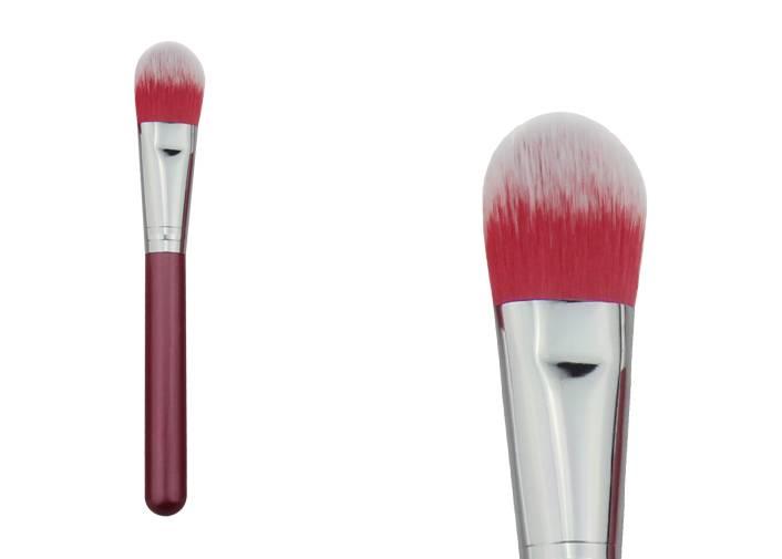 Powder Foundation Blush Brush With Soft Nylon Hair Wooden Handle Metal Ferrule