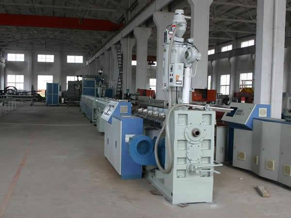Plastic Pipe Machine-PE Huge Calibre Wall Hollowness Spiral Pipe Extrusion Line